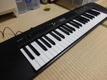電子ピアノ2.JPG